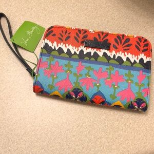 NWT Vera Bradley Rio Stripe zip around wristlet